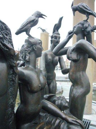 Huis Koning: Bruges statues