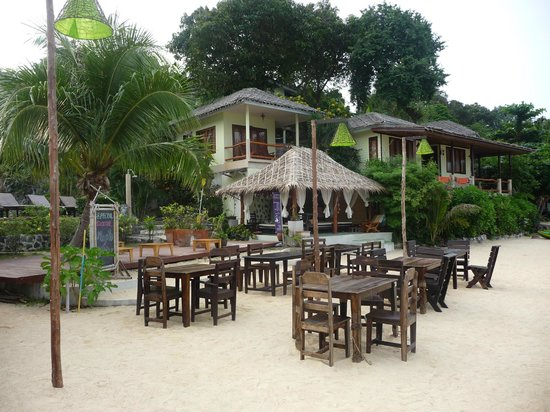 Loyfa Natural Resort :                                     restaurant plage