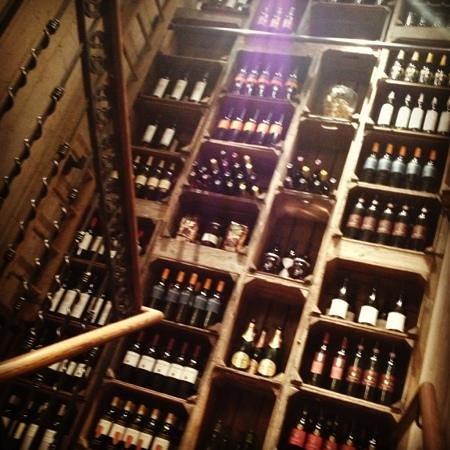 Fornata:                   wine rack