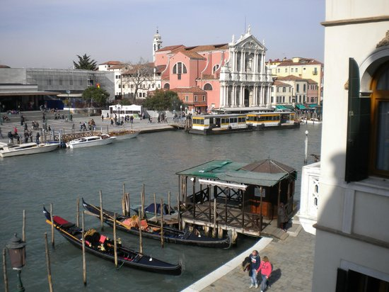 Hotel Carlton on the Grand Canal:                   View to right from balcony