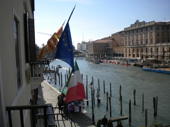 Hotel Carlton on the Grand Canal:                   View to left from balcony