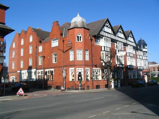 Best Western Hallmark Hotel Chester Westminster: Hotel Front View