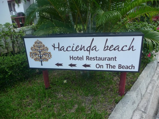 Hacienda Beach Resort:                                     entrée ..