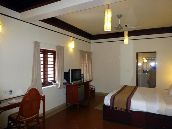 The Elephant Court Thekkady:                   Executive enclave room