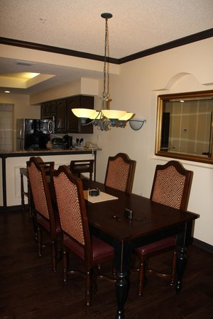 Grande Villas at World Golf Village:                   Kitchen, Dining Room