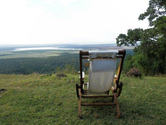 Lake Manyara Wildlife Lodge: Lake Manyara e noi sopra Rift Valey