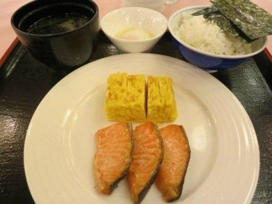 Dai-ichi Takimotokan: japanese breakfast - breakfast