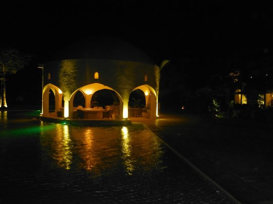 Swahili Beach Resort:                                     Pool bar by night