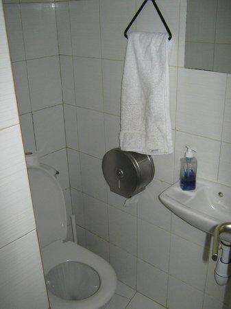 Hotel Monte Carlo : Shared Toilette