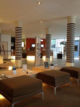 Novotel Mechelen Centrum:                   lobby van het hotel