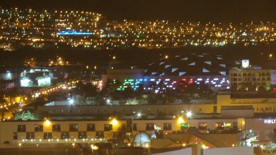 Comfort Hotel Eilat :                   eilat by night