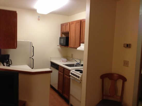 Towneplace Suites Detroit Livonia:                                     The Kitchen area