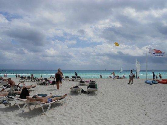 Hotel Riu Lupita: Beach