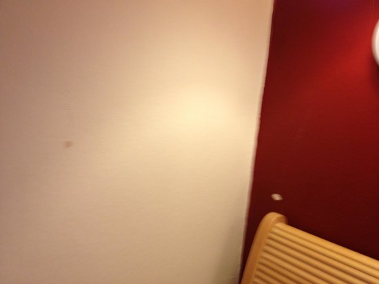 Holiday Inn London - Kensington :                                     Room 153
