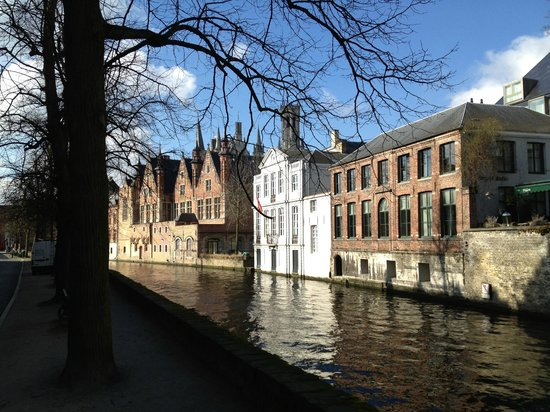 Number 11 Exclusive Guesthouse:                   Canal near the Inn