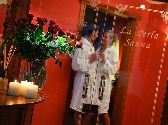 La Perla Hotel: Reparto saune