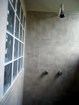 El Paraiso Hotel Tulum: doccia