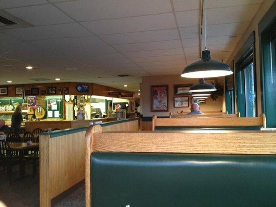 Abby's Legendary Pizza: inside seating