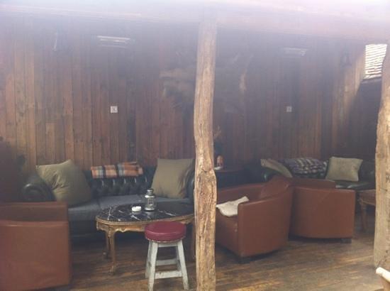 The Dirty Habit Restaurant: outdoor snug again!