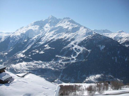 Residence Le Panoramic :                   Le Mont Pourri depuis le balcon