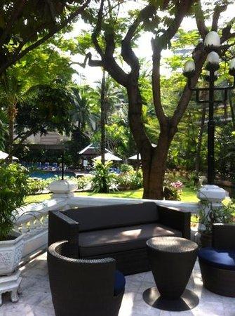 سنتارا جراند - سنترال بلازا لادبراو بانكوك:                   dans le jardin tropical                 