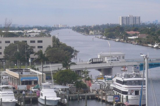 Sands Harbor Hotel and Marina Pompano Beach:                                     Beautiful panoramic view of Waterway Draw Bridge