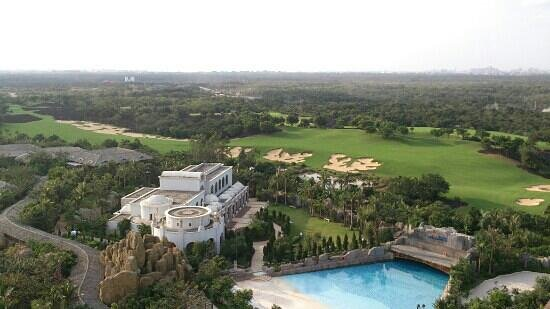 Mission Hills Resort Haikou:                   wave pool , mineral springs , Blackstone golf course : a room with a view