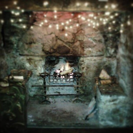 The Silver Fountain:                   open log fire