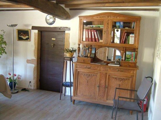 Sourcieux-les-Mines, Francia: Chambre d'hôtes La Falconnière - La pièce d'accueil