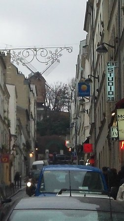 Hotel des Arts - Montmartre: View up the hill from the hotel.