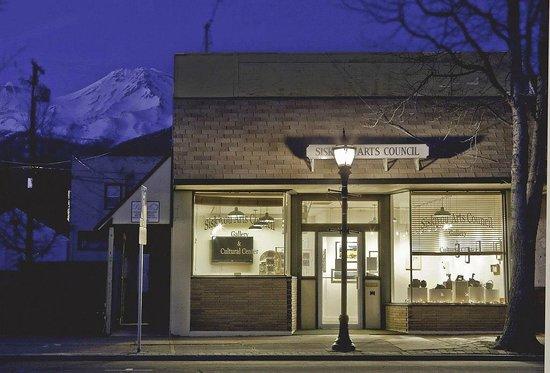 Siskiyou Arts Council Gallery at night