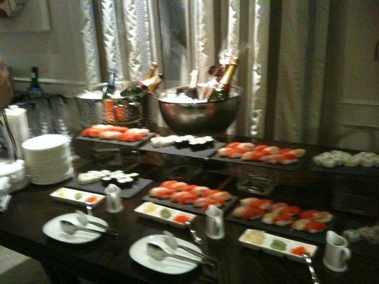 Rosewood Hotel Georgia: Sushi Buffet