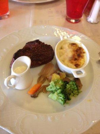 Lion d'Or:                   pièce de bœuf sauce camembert