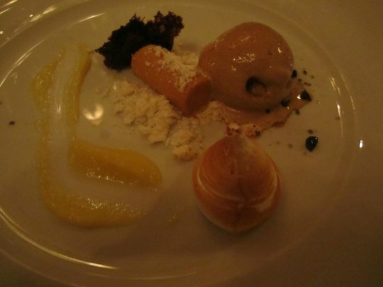 The Lodge: Dessert, very tasty - and interesting