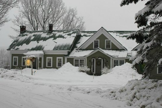 Beaver Pond Farm Inn :                                     Winter wonderland at Beaver Pond Farm