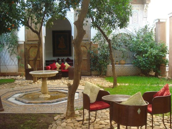 Riad Laaroussa Hotel and Spa:                   Patio