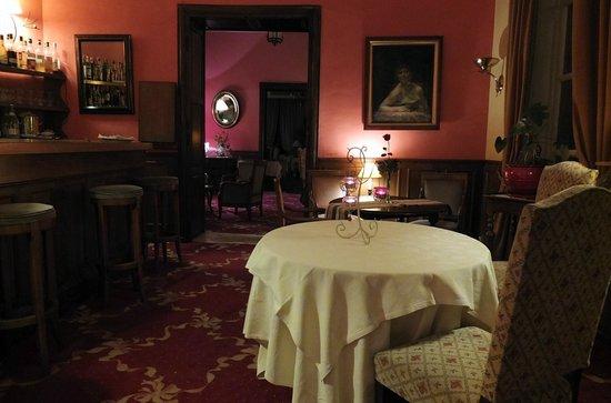 Le Manoir de la Foret : l'enfilade bar-salon-salle à manger