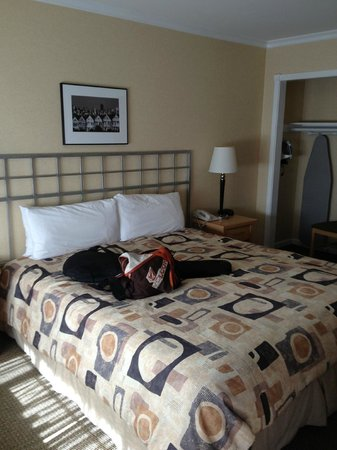 Inn on Broadway:                                     King Bed
