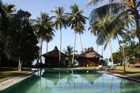 Dolarog Beach Resort Pool