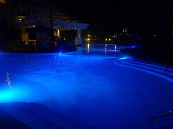 Aruba Marriott Resort & Stellaris Casino:                                     Pool and Bar at night