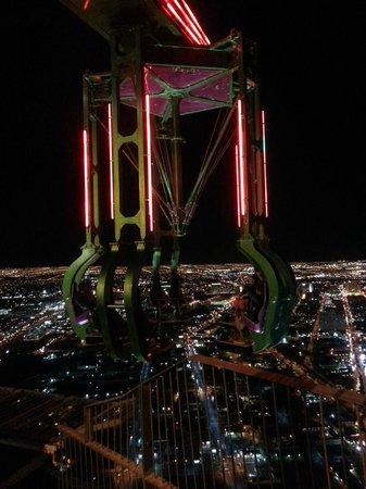 สแตรทเฟียร์โทส์เฟียร์ คาสิโนแอนด์ทาวเวอร์ โฮเต็ล:                   Another ride on top of the tower