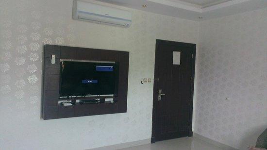Rest Night Hotel Suites- Al Malqa :                   apartment lounge