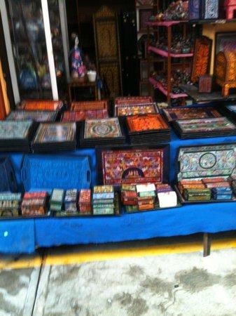 Mercado de Artesanias La Ciudadela :                   Wonderful things to buy