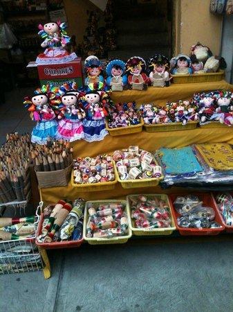 Mercado de Artesanias La Ciudadela :                   Mexican shopping heaven