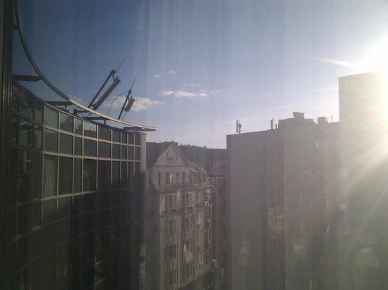 كمينسكي هوتل كورفينوس بودابست:                   Kempinski våning 8                 