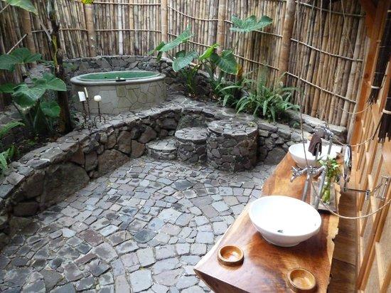 La Fortuna at Atitlan:                   Bathroom under the jungle canopy