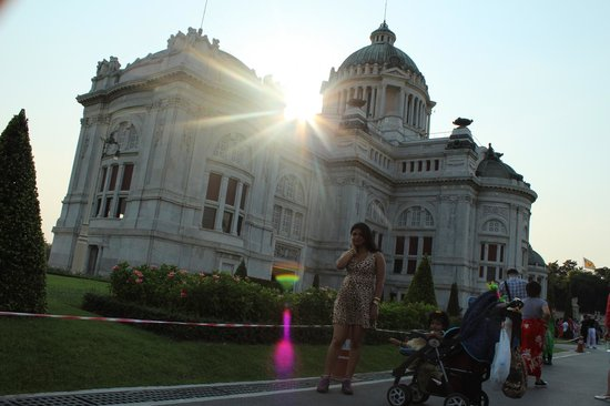 Ananda Samakhom Throne Hall - Picture of Ananta Samakhom Throne Hall, Bangkok...
