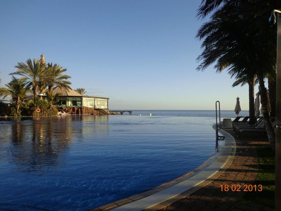 Lopesan Costa Meloneras Resort, Spa & Casino: infinity pool