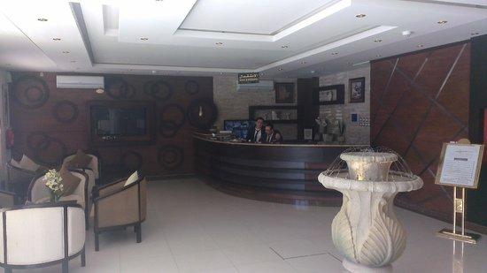 Rest Night Hotel Suites- Al Malqa :                   reception