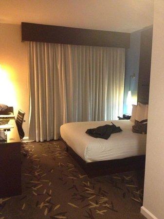 O Hotel:                   standard room